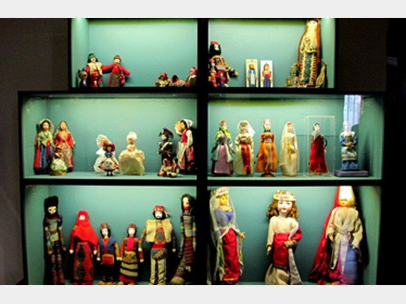 موزه عروسك