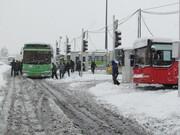 تلاش برای رفع توقف اتوبوسها با نمکپاشی معابر |مانیتورینگ آنلاین معابر برفگیر