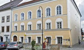 کاربری تازه خانه زردرنگ برانائو | زادگاه هیتلر به پاسگاه پلیس تبدیل میشود