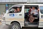 عکس روز: زن راننده در شاتل صورتی کابل