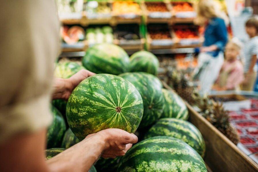 فروشگاه - میوه - هندوانه - یلدا