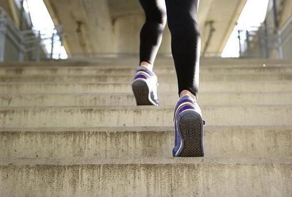 بالا رفتن از پلهها