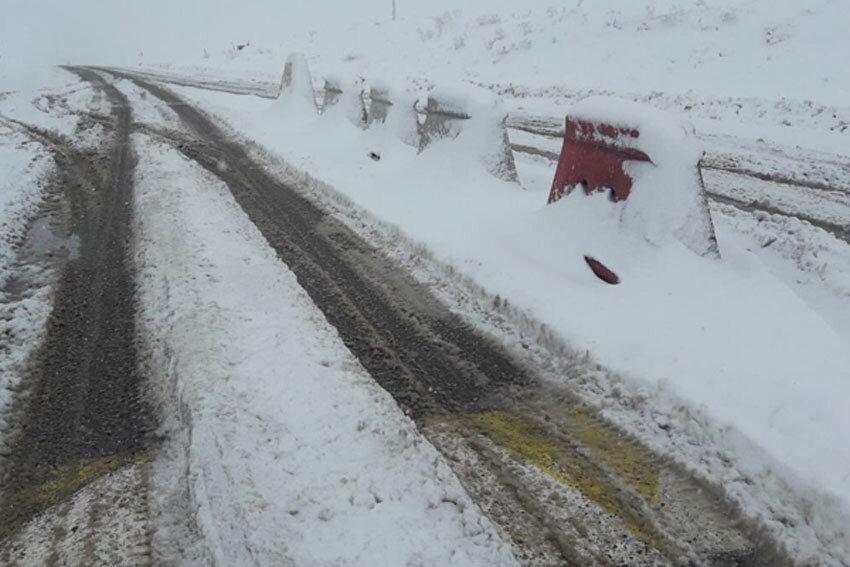 جاده برفی تکاب