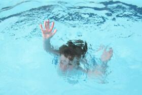 پسر ۹ ساله در استخر بیمارستان جاجرم غرق شد