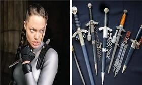 کلکسیونهای عجیب سلبریتیها | از خنجرهای آنجلینا جولی تا اسباببازیهای دیکاپریو