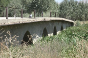 """تردد خودروهای سنگین روی پل تاریخی """"گیشنگان جونقان"""" ممنوع شد"""