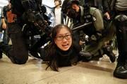 عکس روز: دستگیری زن معترض