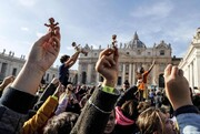 عکس روز: مسیح بر دست