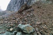 بارش باران و ریزش کوه برخی مسیرهای جنوب بوشهر را مسدود کرد