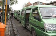 مالکان تاکسیهای ون فاقد پروانه برای سهمیه ۶٠٠ لیتری بنزین چه کار کنند؟