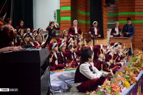 اجرای ۷۰ نفری صحنهای موسیقی «نیلبک»