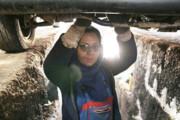 تصویر | مکانیکی جذابترین کار دنیا برای یک بانوی یزدی