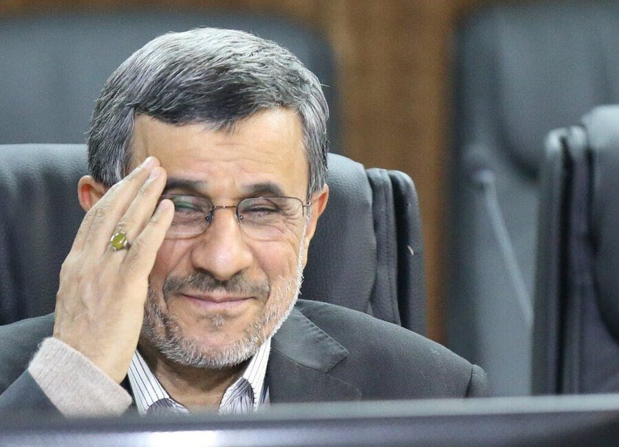فرش قرمز برای کاندیداتوری محمود احمدی نژاد در انتخابات ۱۴۰۰