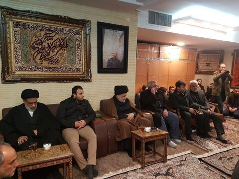 حضور مقتدی صدر در منزل شهید قاسم سلیمانی
