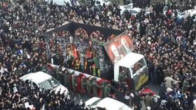 آغاز مراسم تشییع پیکر شهید سپهبد سلیمانی در کرمان   احتمال تغییر محل خاکسپاری