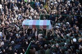 فیلم   تعدادی از تشییع کنندگان بر اثر ازدحام جمعیت در کرمان جان باختند
