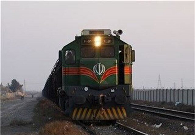 اتفاقی بیسابقه در فعالیت راه آهن مشهد | قطار مشهد پس از ۶۲ سال متوقف شد
