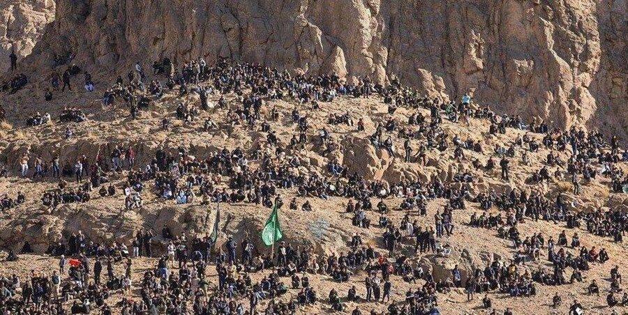 کوه های اطراف گلزار شهدای کرمان