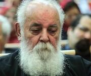 شاعر بزرگِ تنهای ایران ۹۲ ساله شد | سایه در غم دوری از ایران