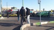 سرگردانی مسافران در پی اعتراض رانندگان تاکسیرانی خط رسالت- ونک