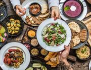 ۱۰ ماده غذایی که غذای شما را خوشمزهتر میکند