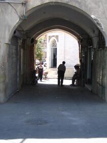 برج و باروی فروریخته نعمتآباد
