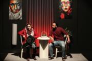 تئاتری که با نور موبایل تماشاگران اجرا شد