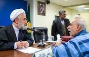 تصاویر | دادگاه «علی دیواندری» ؛ صلوات شمار، کیسه وسایل متهم و...