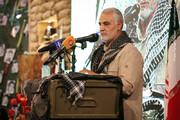 فیلم | سپهبد شهید سلیمانی با رهبران افغانستان در دره پنج شیر