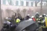 فیلم | وقتی نیروهای پلیس و آتشنشانی با هم درگیر میشوند