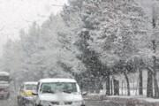 بارش سنگین برف باعث ایجاد محدودیت ترافیکی در کرمانشاه شد