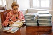 مرگ نویسنده پرفروش و ملکه تعلیق ادبیات جهان