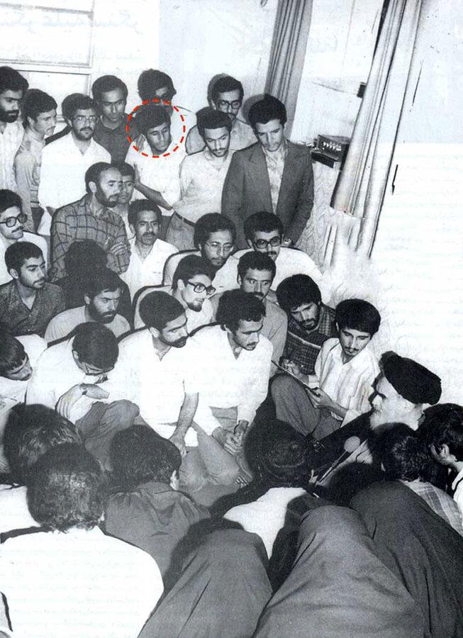 تصویری از احمدینژاد در بهمن ۵۷