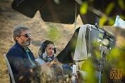 فیلم | حسین علیزاده در پشت صحنه «آتابای» در کنار نیکی کریمی