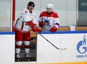 تصاویر | هاکی وسط مذاکره ؛ بازی دوستانه پوتین و لوکاشنکو