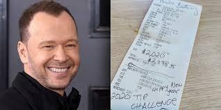Donnie Wahlberg leaved $2,020 tip