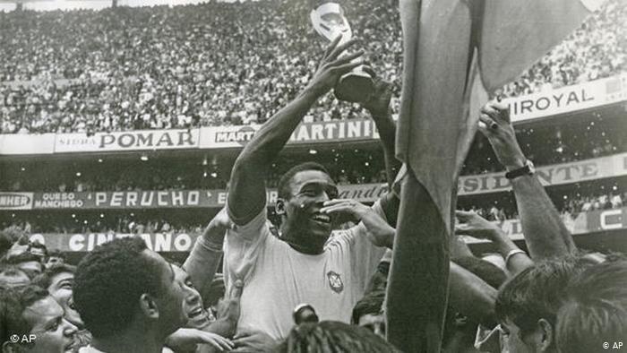 پله، فوتبالیست قرن