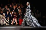 عکس | ماسک بر صورت مدلها در هفته مد نیویورک