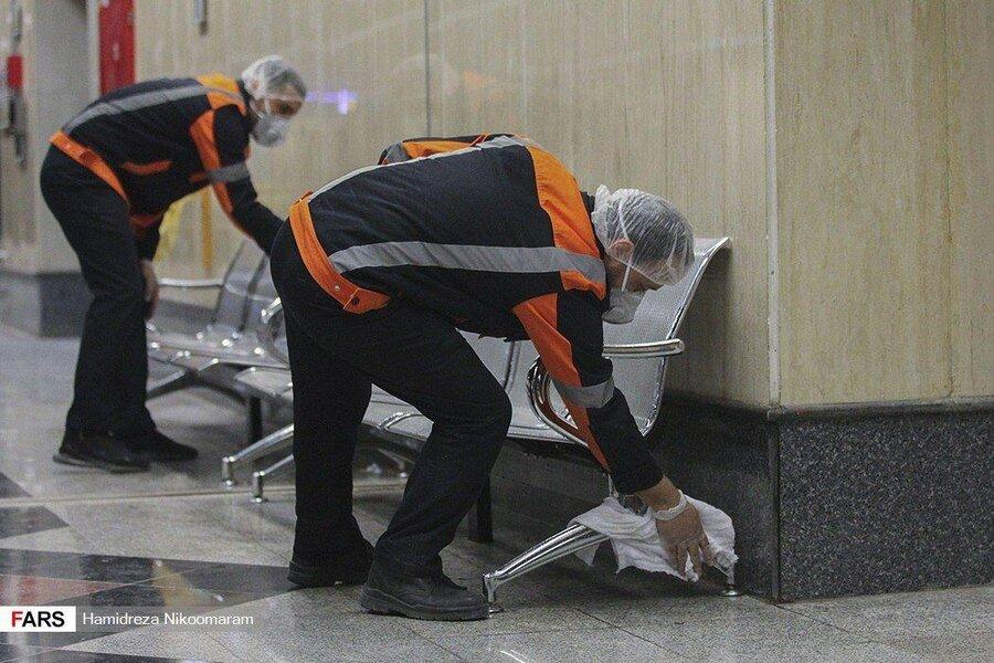 عملیات ضد عفونی کردن واگنهای مترو اصفهان