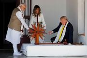 تصاویر | ترامپ و ملانیا پشت چرخ نخریسی گاندی