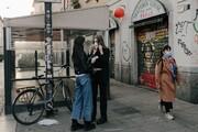 عکس روز   ماسک زدن در میلان