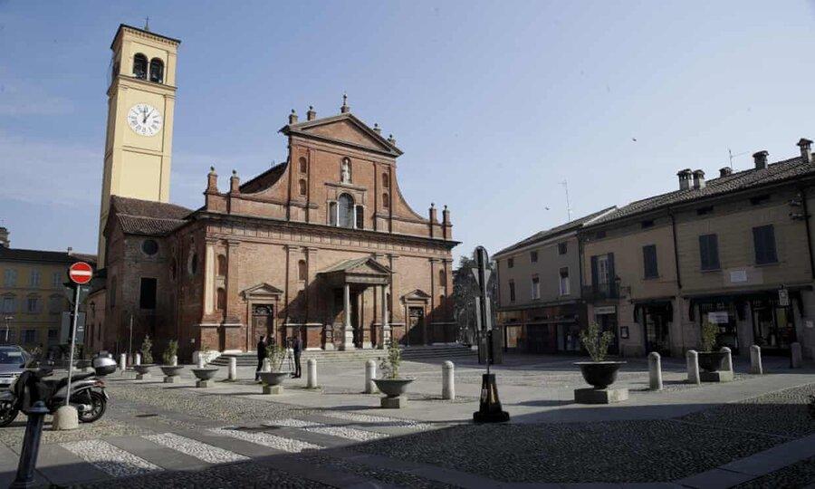 عکس روز| در کانون کورونای ایتالیا