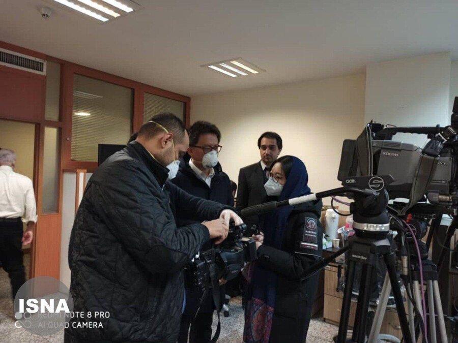 خبرنگاران تلویزیون ملی چین در کمیته اطلاعرسانی قرارگاه مقابله با کرونا