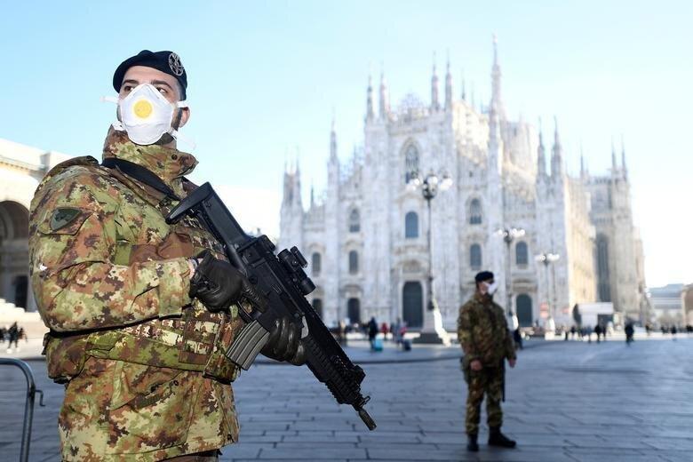 عكس | استقرار نیروهای نظامی ایتالیا برای حفاظت از قوانین قرنطینه