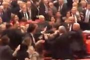 ادلب، نمایندگان مجلس ترکیه را به جان هم انداخت