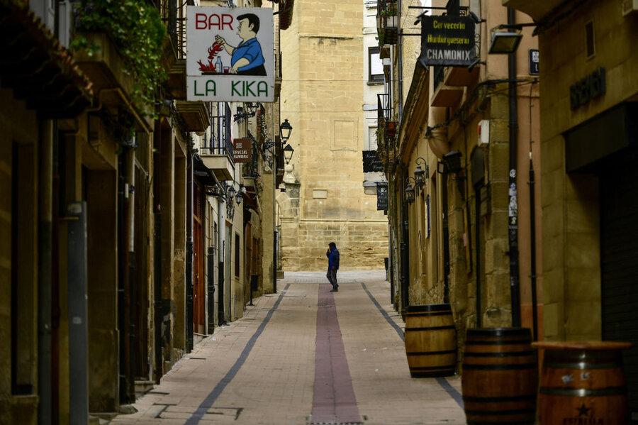 خیابان خالی در شمال اسپانیا