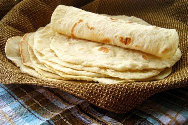 تهیه نان در خانه