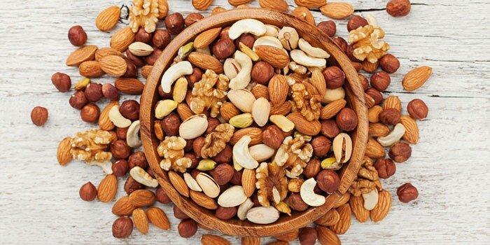 این مواد غذایی به کنترل کلسترول شما کمک میکنند