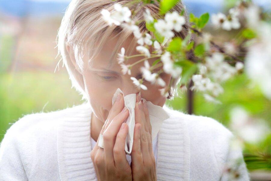 آلرژی بهاری را با این ۱۶ نشانه بشناسید