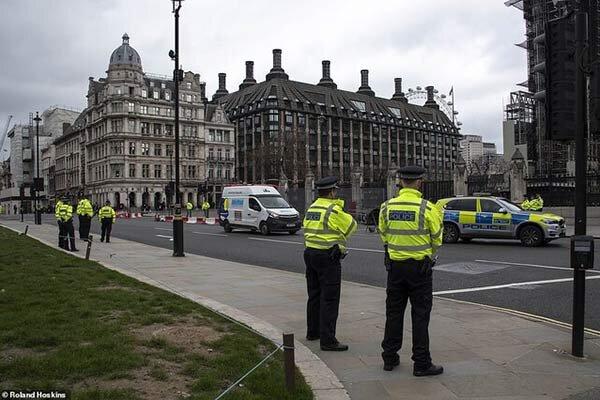 لندن-پليس.jpg